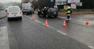 [FOTO] Zderzenie dwóch Opli na skrzyżowaniu w Bestwince