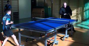 [ZDJĘCIA] Biskup z wizytą w Podraju. Zagrał w tenisa stołowego