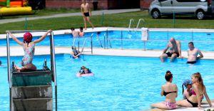 W niedzielę na basenie półmetek wakacji z licznymi atrakcjami