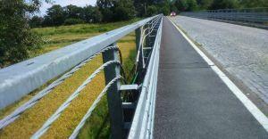 Most na Wiśle został uszkodzony, zerwano metalowe elementy