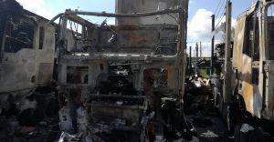 Olbrzymi pożar przy ul. Legionów: spłonęło kilka ciężarówek - zdjęcia