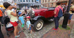 Piękne zabytkowe samochody w Bielsku-Białej
