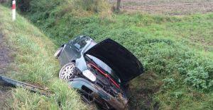 Kierowca chciał uniknąć zdarzenia. Wjechał do rowu - zdjęcia