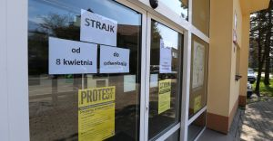Drugi tydzień strajku nauczycieli. Nie odbywają się zajęcia dydaktyczne