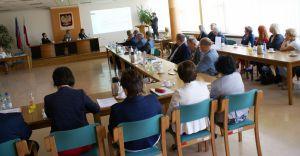 O nowym roku szkolnym na sesji Rady Powiatu Bielskiego