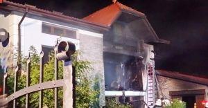 Pożar budynku jednorodzinnego w Kaniowie - zdjęcia