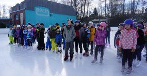 [ZDJĘCIA] Zawody w jeździe szybkiej na lodzie na lodowisku MOSiR