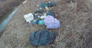 Problem dzikiego wysypiska w Ligocie - teren został uprzątnięty