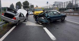 Zderzenie trzech samochodów na krajowej jedynce w Goczałkowicach