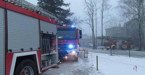 Akcja straży pożarnej w centrum miasta. Pożar pustostanu - zdjęcia
