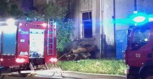 Duży pożar przy ul. Legionów: 10-latek zabrany do szpitala