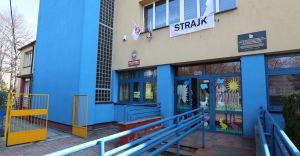 [ZDJĘCIA] Trwa strajk nauczycieli w szkołach gminy Czechowice-Dziedzice