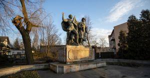 """Przed Wielkanocą """"pomnik braterstwa broni"""" zniknie z centrum"""